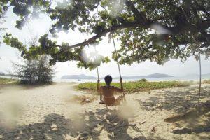 tropical-beach-1149937_640 (1)