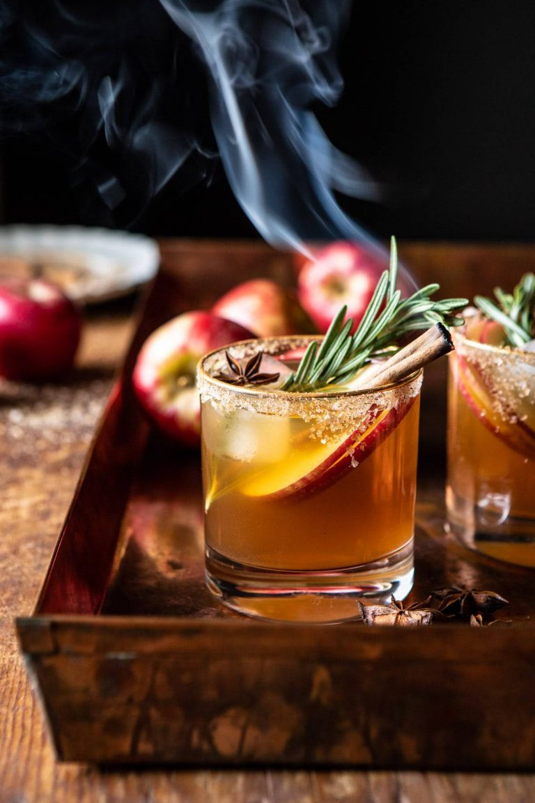 14 Popular Cocktails for Thanksgiving and Christmas