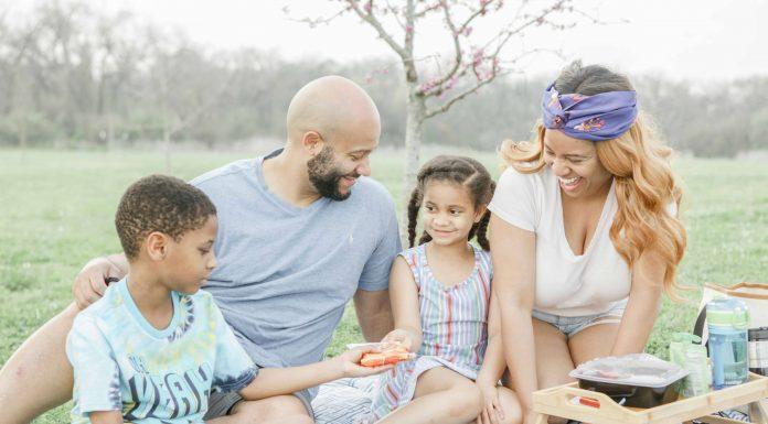 Spring Family Picnics