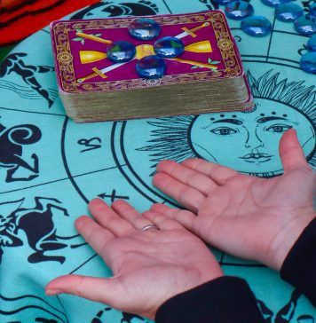 Palm Reading, Collin County Moms